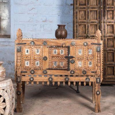 one-kind-of-vinatge-furniture_compressed