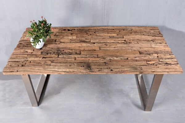 SLEEPER WOOD TABLE