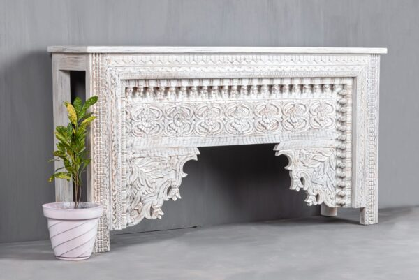 TRADITIONAL INDIAN CONSOLE